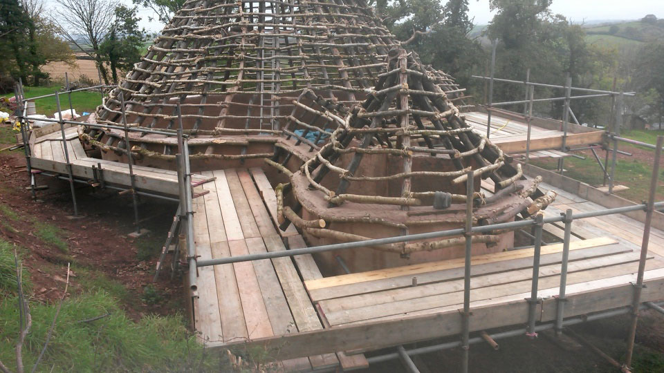 how to build a roundhouse